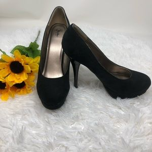 Black Mossimo high heels